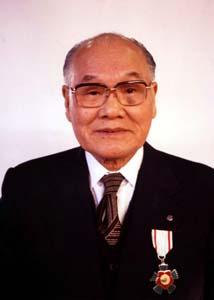 渡辺綱雄氏